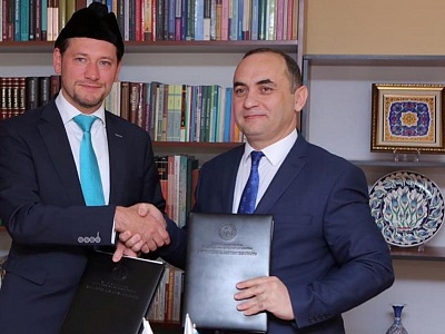 Executive Secretary of the Muslim International Forum visits Azerbaijan